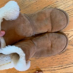 UGG boots with button size 9 (40)